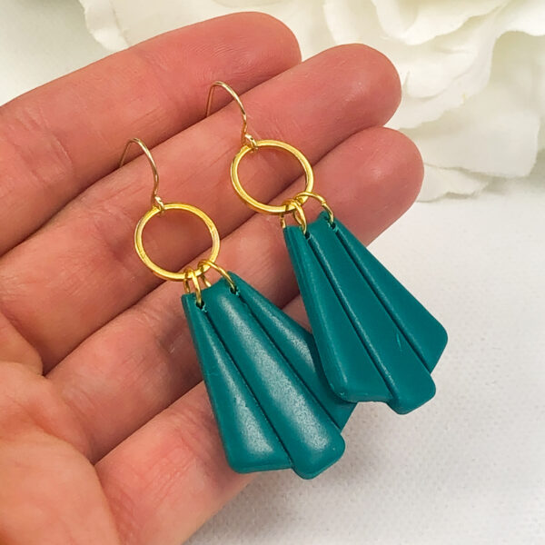 emerald green earrings